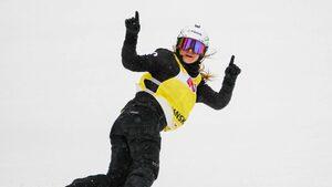 Фотогалерия: Александра Жекова - слънчевото момиче с успехите в сноуборда