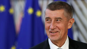 Оставката на чешкия правосъден министър разпали обвинения за политически натиск