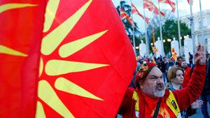 Спорът за името може да реши президентските избори в Северна Македония днес