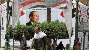 Египтяните решават колко дълго да остане Сиси на власт