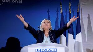 Льо Пен се присъедини към европейския крайнодесен съюз на италианския вицепремиер
