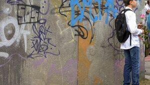 Драсканици по стените в София - какво да се прави