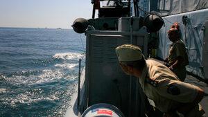 Ценовите оферти за доставка на два бойни кораба ще са ясни на 29 май