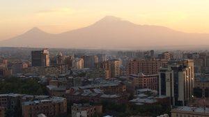 Магичен залез над Ереван
