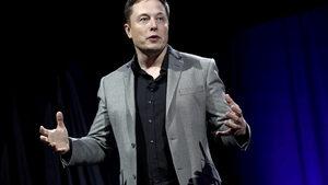 Tesla обеща да пусне роботаксита догодина