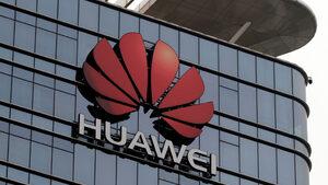 """Великобритания ще разреши на """"Хуауей"""" частично участие в изграждането на 5G мрежа"""
