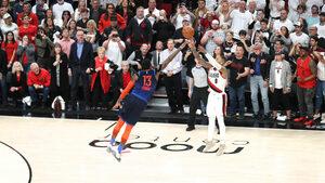 """Видео: Невероятна победна тройка прати """"Портланд"""" напред в НБА"""