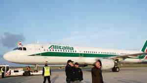 """""""Алиталия"""" отмени над 300 полета заради стачка"""