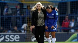 """Вратите в женския футбол трябва да са по-малки, смята треньорът на """"Челси"""""""