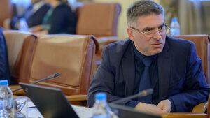 Правосъдният министър обеща, че Агенцията по вписванията ще обслужва по-добре