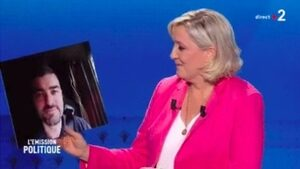 """Льо Пен агитира срещу """"шофьорите-каторжници"""" от Източна Европа"""