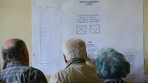 Към 13 ч. избирателната активност е малко над 15 на сто