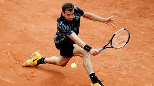 """Григор Димитров си създаде проблеми, но премина в пет сета първия тест на """"Ролан Гарос"""""""