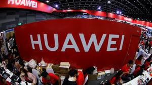"""Санкциите на САЩ ще ни струват $30 млрд., обяви основателят на """"Хуауей"""""""
