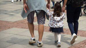 Детето има право на грешки, рискове... и родител, който не го пази от всички неравности
