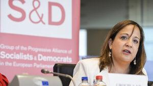 Испанка ще замени германеца начело на социалистите и демократите в Европарламента