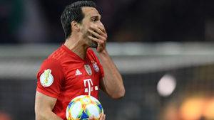 """""""Борусия"""" си върна Матс Хумелс от """"Байерн"""" срещу 30 милиона евро"""