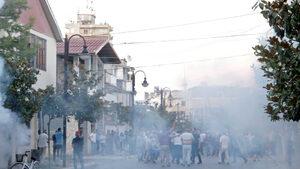 Сблъсъци избухнаха в 14 града в Албания при щурм на избирателни секции