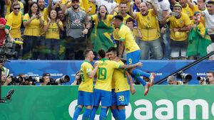 Снимка на деня: Бразилско голово шоу на Копа Америка