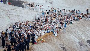 Екоактивисти продължават блокадата на въглищна мина в Германия