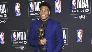 Гръцкото чудо Янис Антетокумбо беше избран за играч на сезона в НБА