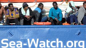 Съдът в Страсбург призна правото на Италия да не приема кораб със спасени мигранти