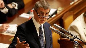 Чешкият кабинет оцеля във вот на недоверие, внесен заради скандал с евросубсидии