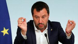 Италианският вицепремиер не изключва издигането на гранични бариери срещу мигранти