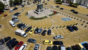 """Общинският съвет прие """"червена зона"""" за паркиране, но от 2035 г."""