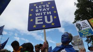 На 1 ноември гражданите на ЕС може да нямат право на свободно пребиваване, съобщи Лондон