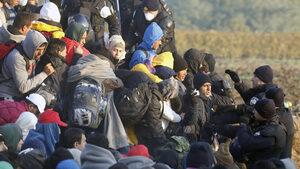 Словения удължава граничната ограда срещу мигранти