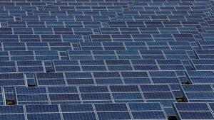 Жп линия във Великобритания ще е първата, захранвана от слънчева енергия
