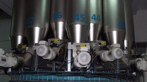 В България е внесен фураж със съмнение за замърсяване със салмонела