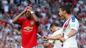 """С късна драма и нова пропусната дузпа """"Юнайтед"""" записа първа загуба за сезона"""