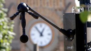 В Париж започнаха проверки срещу шума от мотоциклети и скутери
