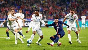 Видео: Недолюбваният Неймар отново вкара победен гол в последните секунди