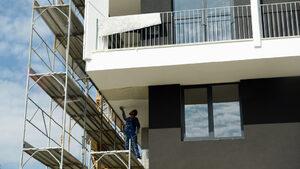 Строителството на сгради расте, на инфраструктура - намалява
