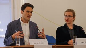 Михаил Крумов от Първа немска гимназия спечели международно състезание по дебати