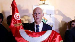 """""""Робокоп стана президент"""" - тунизийците наказаха политиците си"""