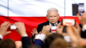 """Полша се плъзга към """"демократично легитимна полуавторитарна държава"""""""