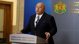 Кралев: Ако успеем да изрежем тумора навреме, българският футбол ще оздравее