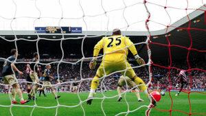 На този ден преди 10 години: как беше вкаран най-странният гол във Висшата лига