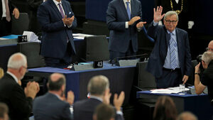 """Сбогуване с Юнкер: какво успя и в какво се провали """"комисията на последния шанс"""""""