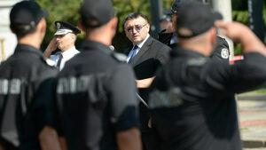 Нещата с феновете бяха изтървани, когато полицията беше изведена от стадиона, смята Маринов
