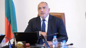 Борисов за критиките, че Пеевски държи разпространението на печата: Да го прави държавата