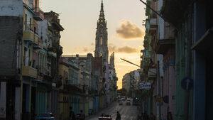 Завръщането на долара в Куба в пет точки
