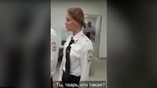 """Видео: """"Ех, защо не е 1937-а година!"""" - руски полицай към задържаните от Pussy Riot"""