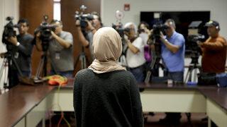 Мюсюлманка, отказала да се ръкува на интервю за работа, спечели дело за дискриминация в Швеция