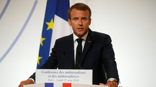 Сигурността на Европа не трябва да зависи от САЩ, заяви Макрон