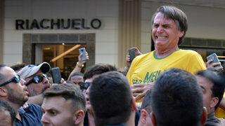 Нападнатият крайнодесен кандидат за президент на Бразилия запазва преднината си